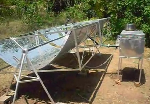File:Saracon Solar Cooker side view, 2009.jpg