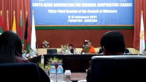Anoka Primrose Abeyrathne (Anoka Abeyrathne) of Sri Lanka receiving the SAARC Youth Award 2010