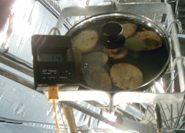 File:Solar Umbrella Cooker cooking temp., 12-29-13.jpg
