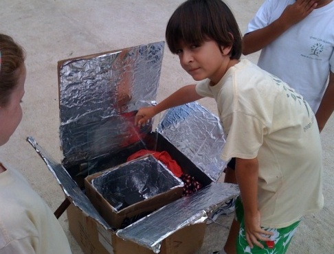 File:Green Life Academy solar oven workshop.jog.jpg