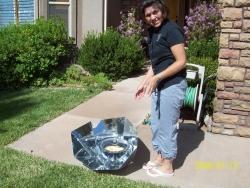 File:Patricia solarcooker250.jpg