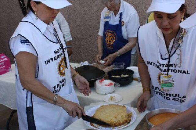File:Rotary Club Tapachula Centenario 2012.jpg