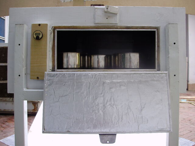 File:Solar Oven K5, rear door, 10-23-14.jpg