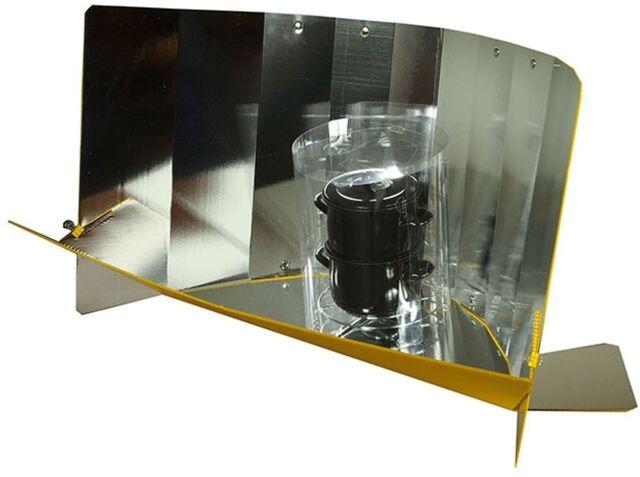 File:Lightoven iii stacked pots.jpg