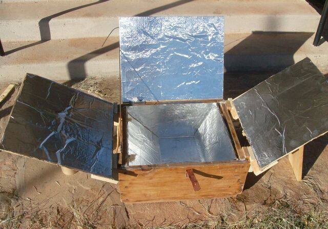 File:Easy Solar Cooker (laying flat), 11-12,12.jpg
