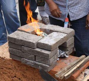 16-brick rocket stove Mexico 2012