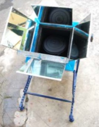File:Suspended Box Solar Oven with pot, 12-11.jpg
