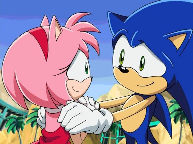 File:Amy after saving Sonic.jpeg