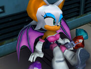 Rouge with three Emeralds