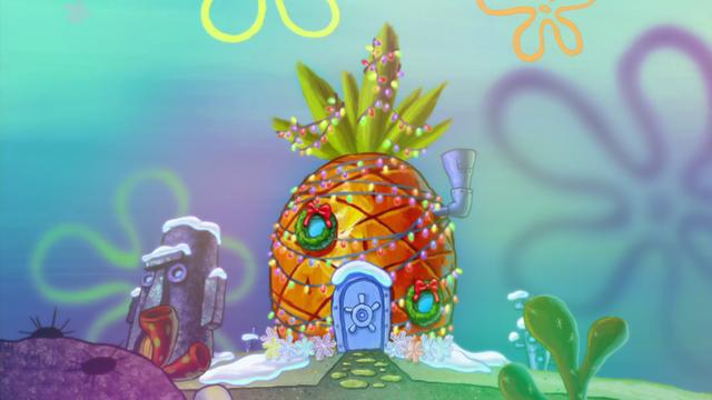 File:Christmas pineapple.png