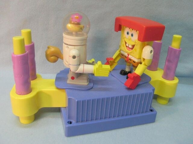 File:Sandy and SpongeBob fighting toy.JPG