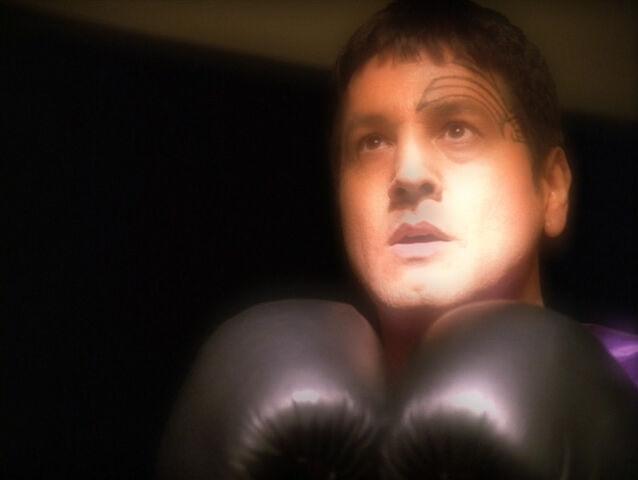 File:Chakotay, The Fight.jpg