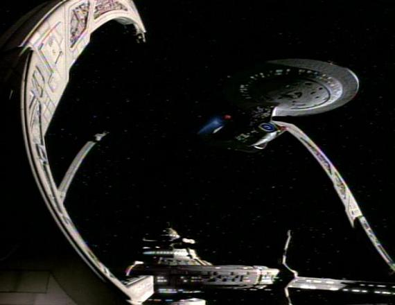 File:Galaxy class docked at DS9.jpg