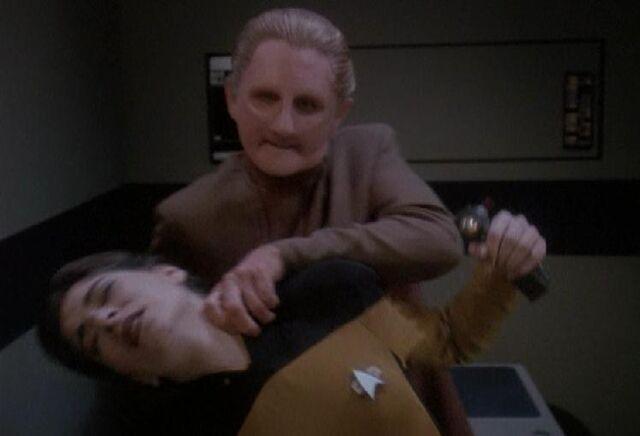 File:Odo Vulcan nerve pinch.jpg