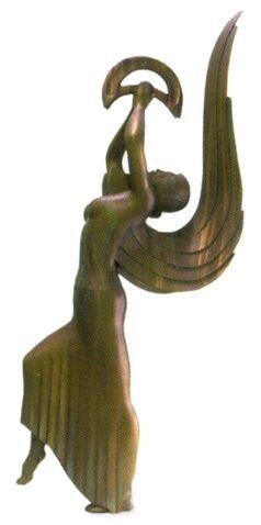 File:Shiraya statue.jpg