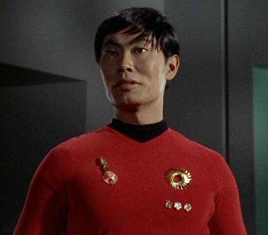 File:Hikaru Sulu (mirror).jpg