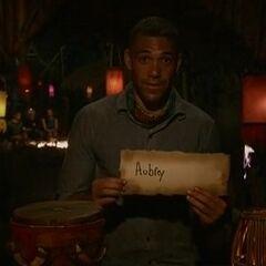 Peter votes against Aubry.