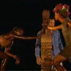 Vecepia and Neleh at the Final Immunity Challenge.