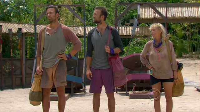 File:Survivor.s27e10.hdtv.x264-2hd 061.jpg