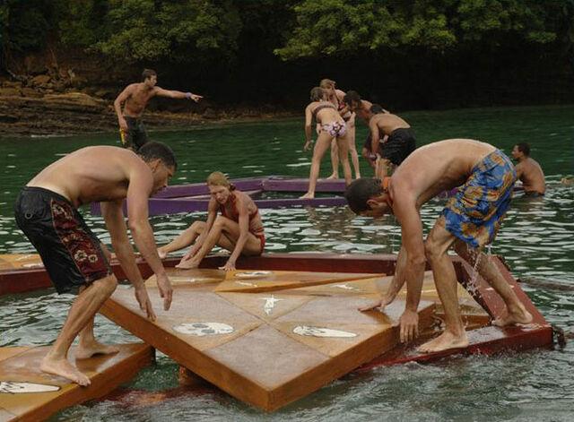 File:Floating puzzle panama.jpg