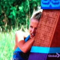 Angie exhausted at the second Immunity Challenge.