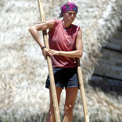 Tammy competing for Individual immunity.