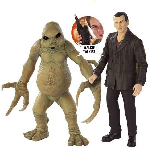 File:CO Walkie Talkies Ninth and Slitheen.jpg