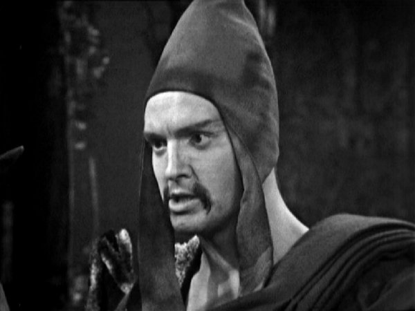 File:Norman Jones as Khrisong.jpg
