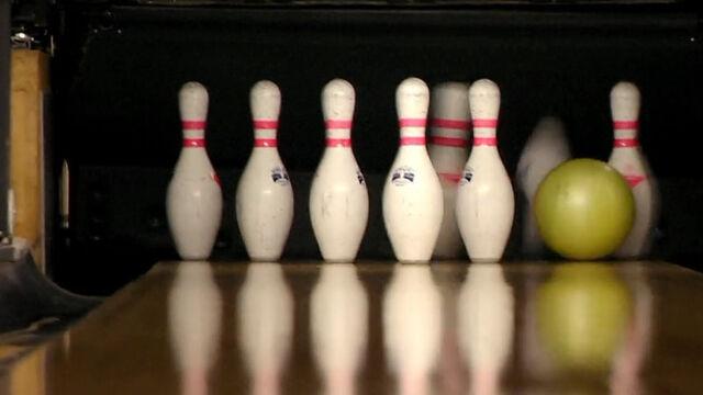 File:BowlingPins.jpg