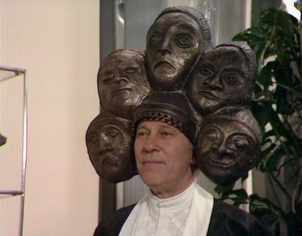 File:Six faces.jpg