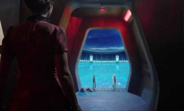 File:TARDIS swimming pool Journey.jpg