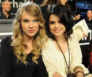 Best-friends-Taylor-Swift-and-Selena-Gomez