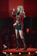 Taylor+Swift+MTV+EMA+2012+Show+oVWWEr0zNmel