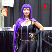 Tara Strong Raven cosplay3 Stan Lee Comic Con