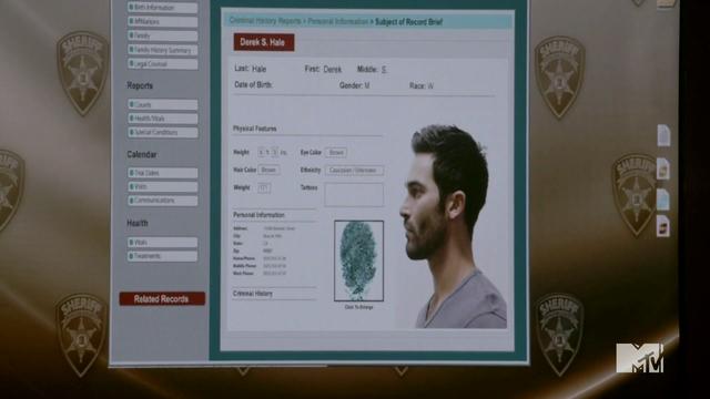 Datei:Teen Wolf Season 4 Episode 2 117 Derek's booking info.png