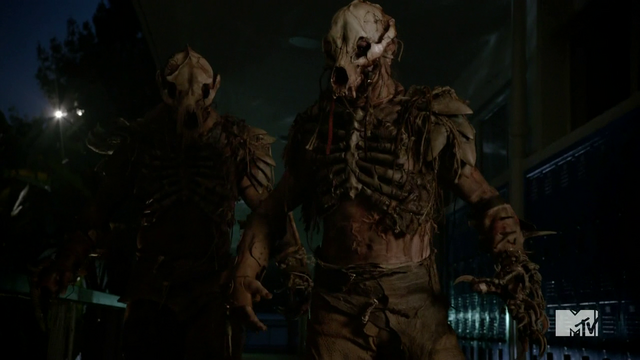 Datei:Teen Wolf Season 4 Episode 2 117 Berserkers body armor detail.png