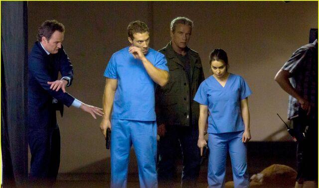 File:Emilia-clarke-super-fierce-on-terminator-genesis-set-17.jpg