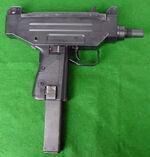 Uzi-03