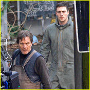 Aaron-taylor-johnson-godzilla-set-with-bryan-cranston
