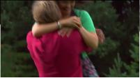 200px-Mickra hug