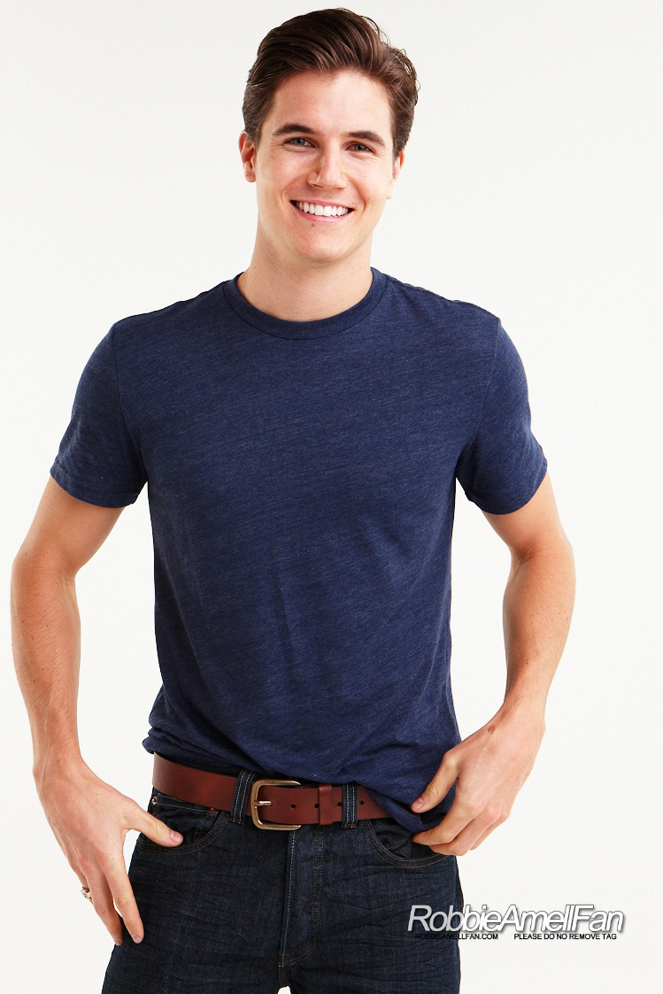 robbie amell photo shoot 2013 wwwimgkidcom the image