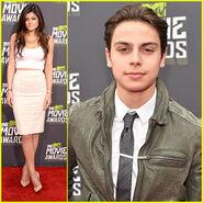Kylie-jenner-jake-t-austin-mtv-movie-awards
