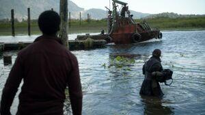The100 S3 Wanheda Part 2 Jaha Otan Boat