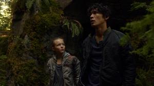 Earth Kills 063 (Charlotte and Bellamy)