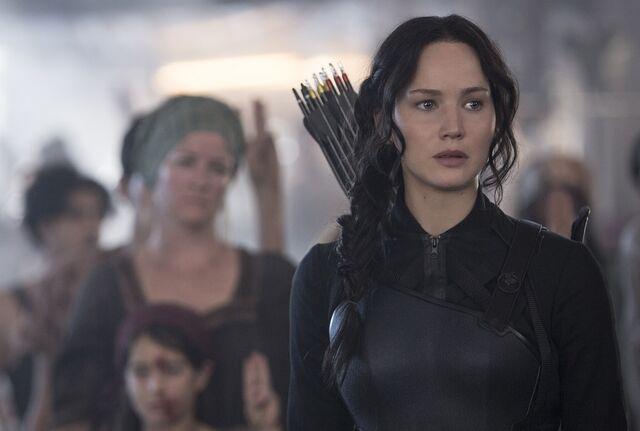 File:Katniss dis8 uhq.jpg