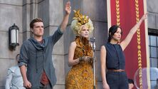 Catching-fire-effie-katniss-district-11-1000-621x350