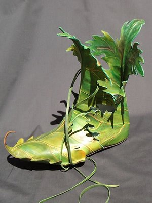 File:Green-leaf-shoes.jpg