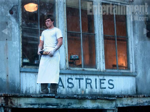 File:Hunger Games EW.jpg