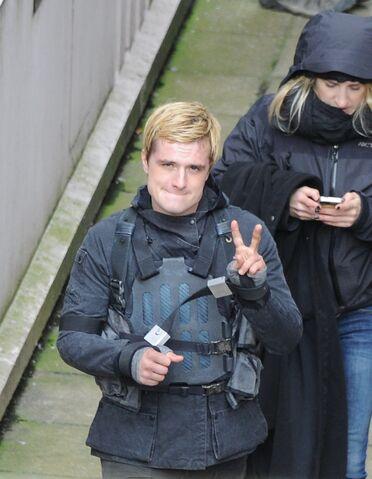 File:Josh hutscherson on set of The Hunger Games- Mockingjay Part 2.jpeg