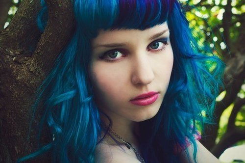 File:Draft lens16409221module140140031photo 1292168671blue hair girl.jpg